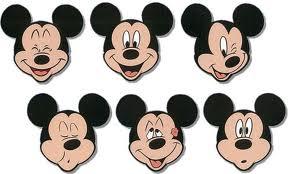ミッキーマウス柄のアロハシャツ